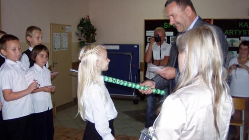 Ślubowanie uczniów klasy I Szkoły Podstawowej w Zasutowie