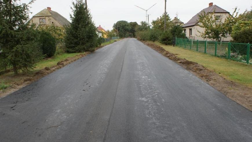 Nowa nawierzchnia asfaltowa w Stroszkach